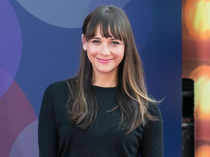 Rashida Jones Warns Young Women About 'Physical Cost' of the Porn Industry